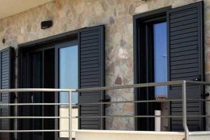 servizi faiac fabbrica finestre e falegnameria la spezia