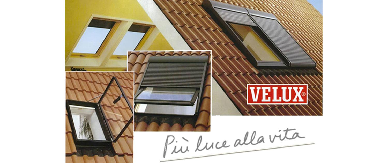 Finestre per tetti faiac fabbrica finestre e for Finestre per abbaini